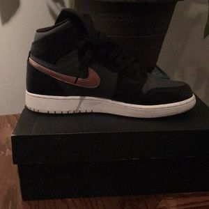 Air Jordan's Retro 1's kids size 7